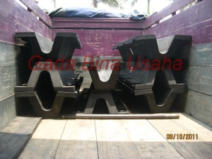 Rubber Fender V H 300 L 3000