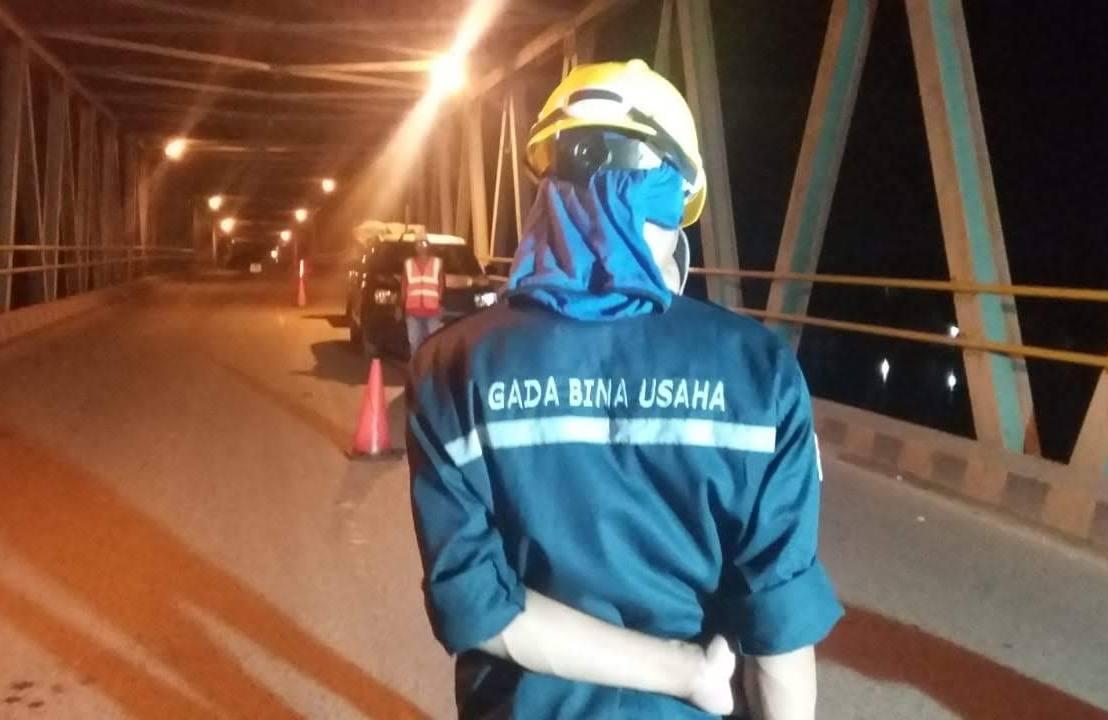 Pemasangan Karet Expantion Joint Jembatan Banua AnyarBanjarmasin
